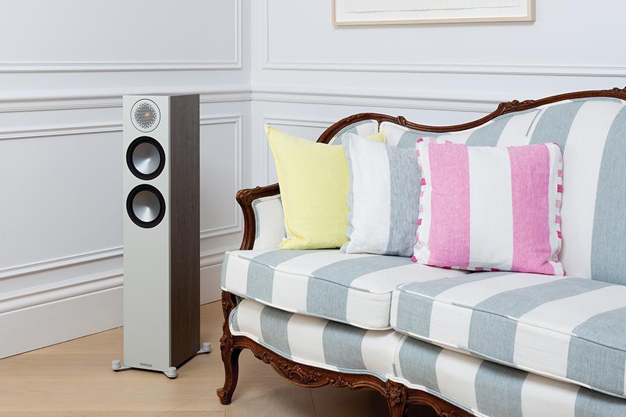 """Test podlahových reprosoustav Monitor Audio Bronze 200 v magazínu """"Hi-Fi +"""""""